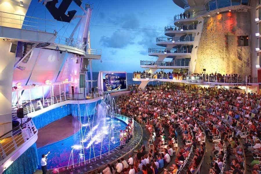 Aqua Theater on the Harmony of the Seas