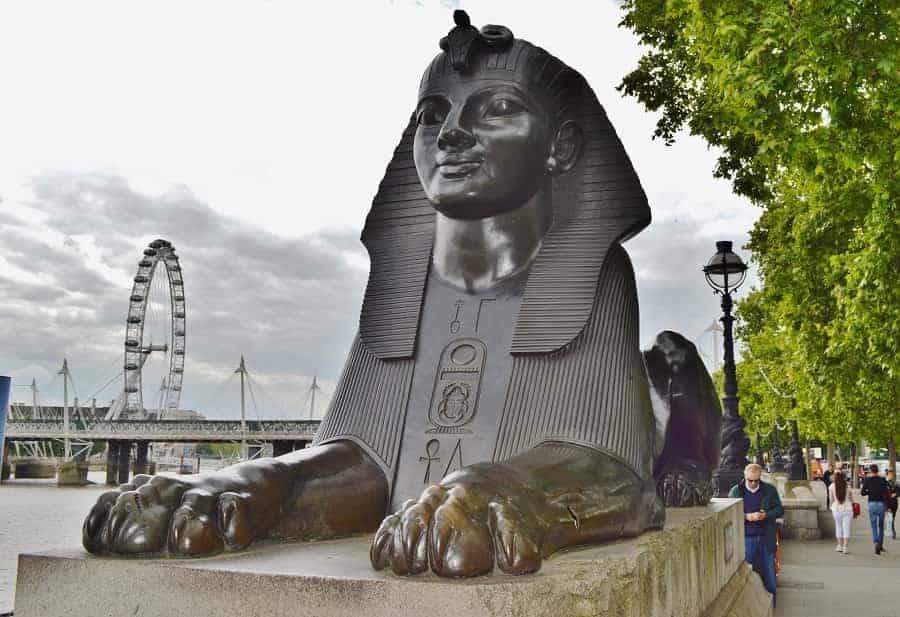 Two bronze Sphinxes in Victoria Embankment