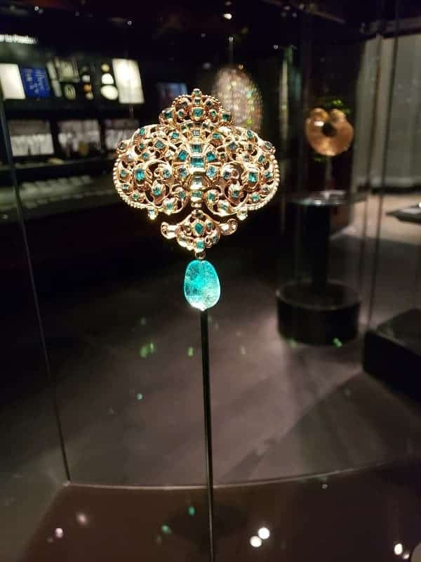 Jewelry Collection at Victoria Albert Museum
