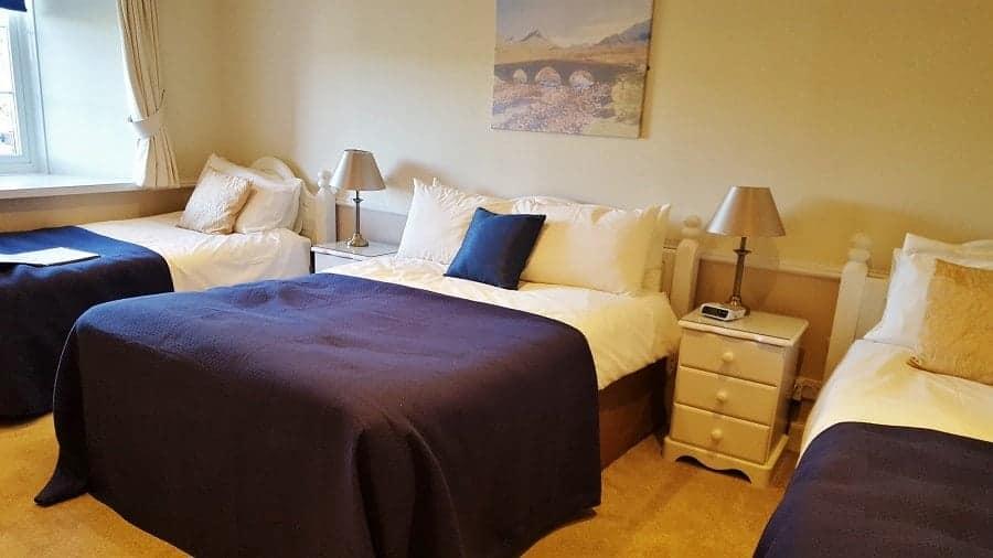 Meadhon Bedroom
