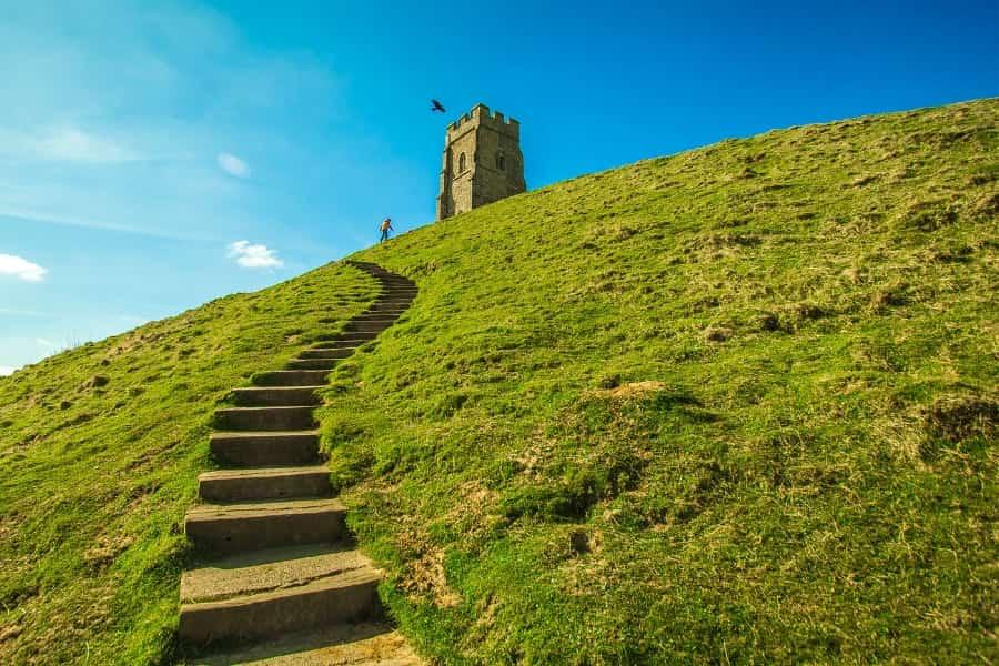 Glastonbury walking path to Tor