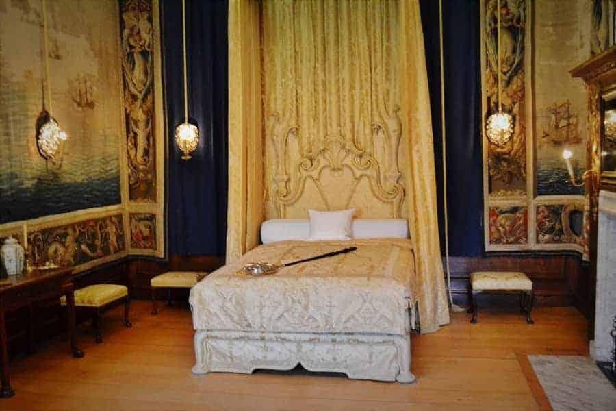 Hampton Court Bedchamber