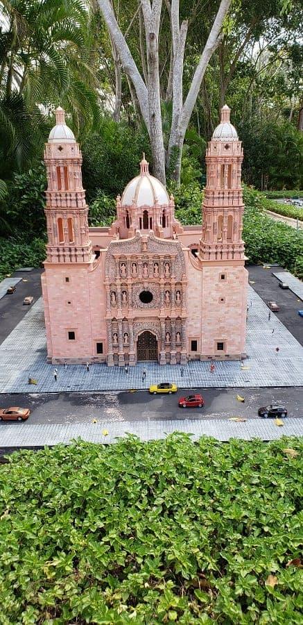 Replicas of Mexican Buildings