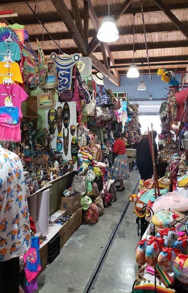 Nassau Straw Market Shopping