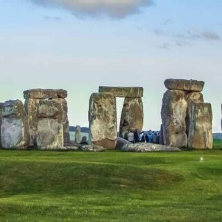 Visiting Stonehenge & Avebury (Day Trip from London)