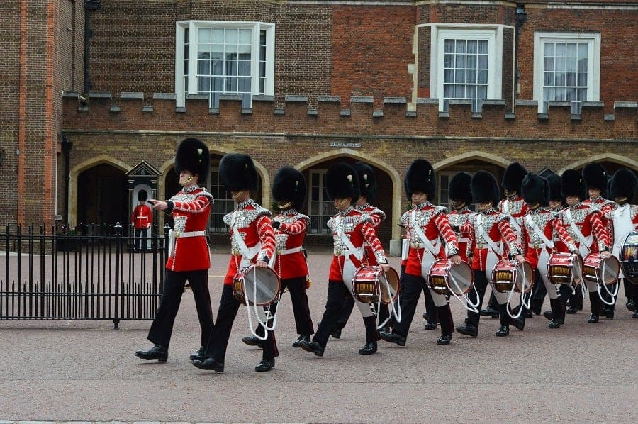 Watching Changing of the Guard at St James Palace