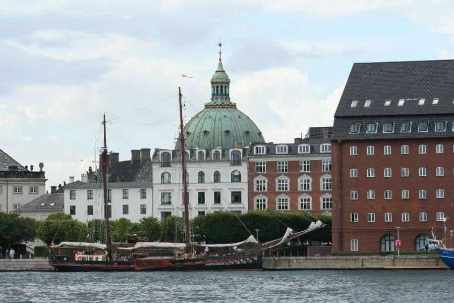 Copenhagen Cruise along the Canal