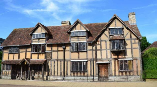 Touring Shakespeare sites in Stratford upon Avon & London
