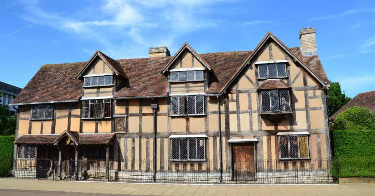Touring Shakespeare sites in Stratford upon Avon & London