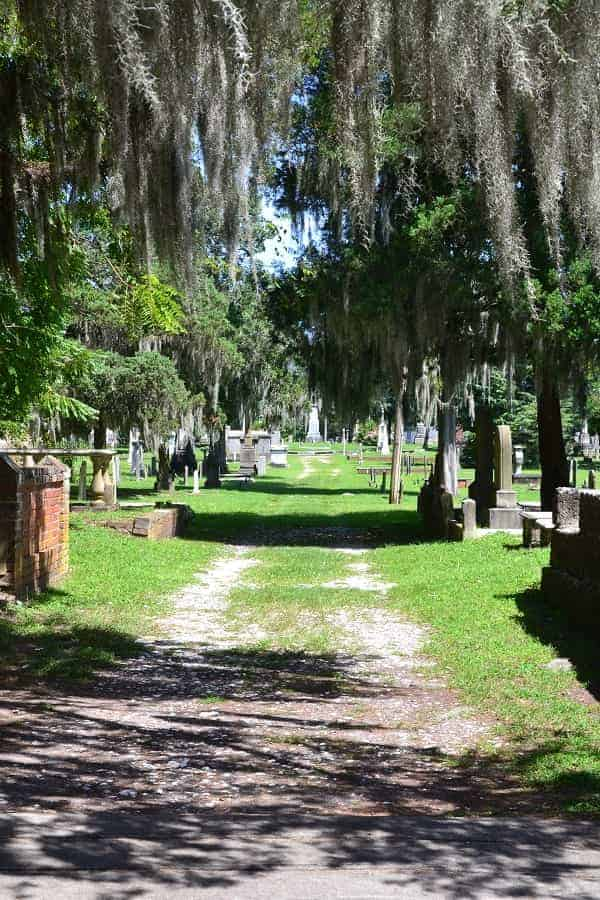 New Bern's Cedar Grove Cemetery