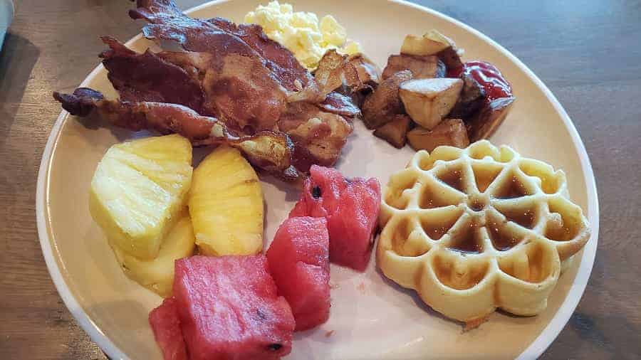Breakfast Buffet at Windjammer