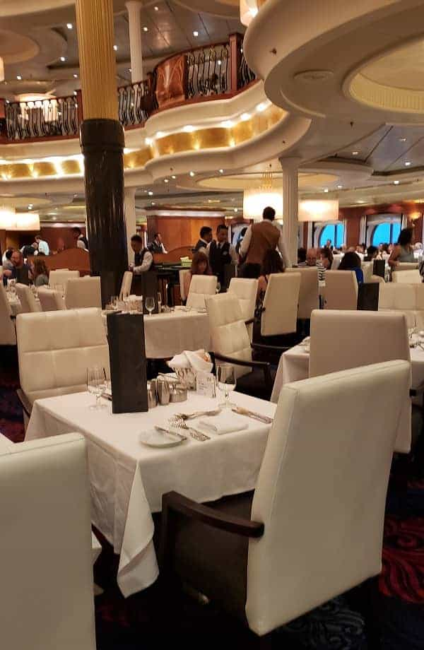 Dining room seating Navigator of the Seas
