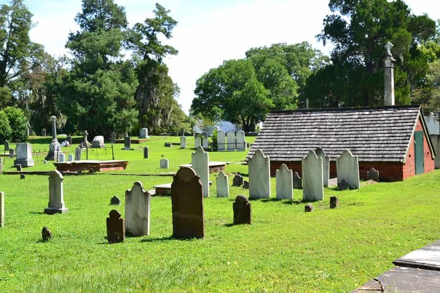 Cedar Grove Cemetery in New Bern