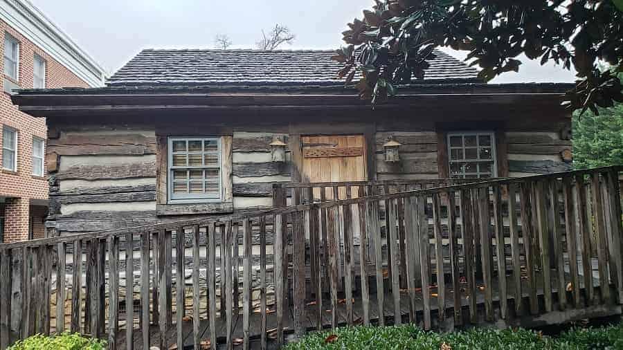 Hampton Inn Cabin in Lexington