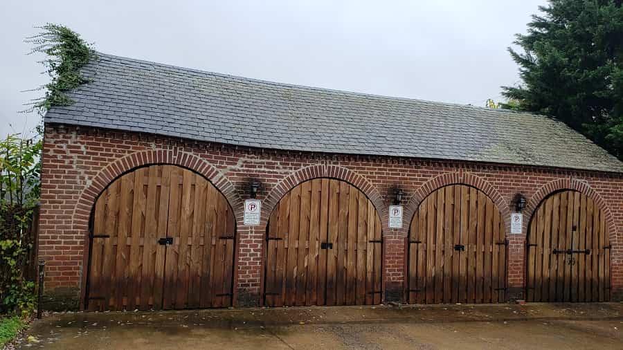 Hampton Inn Horse Stales
