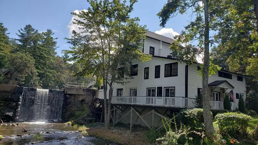 Flat Rock Mill House Lodge